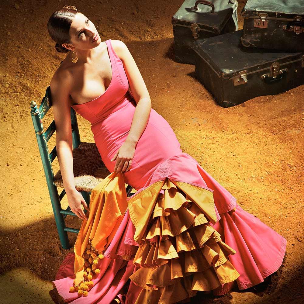 Fotografía editorial corporativa de gitana en bodega flamenco andalucía